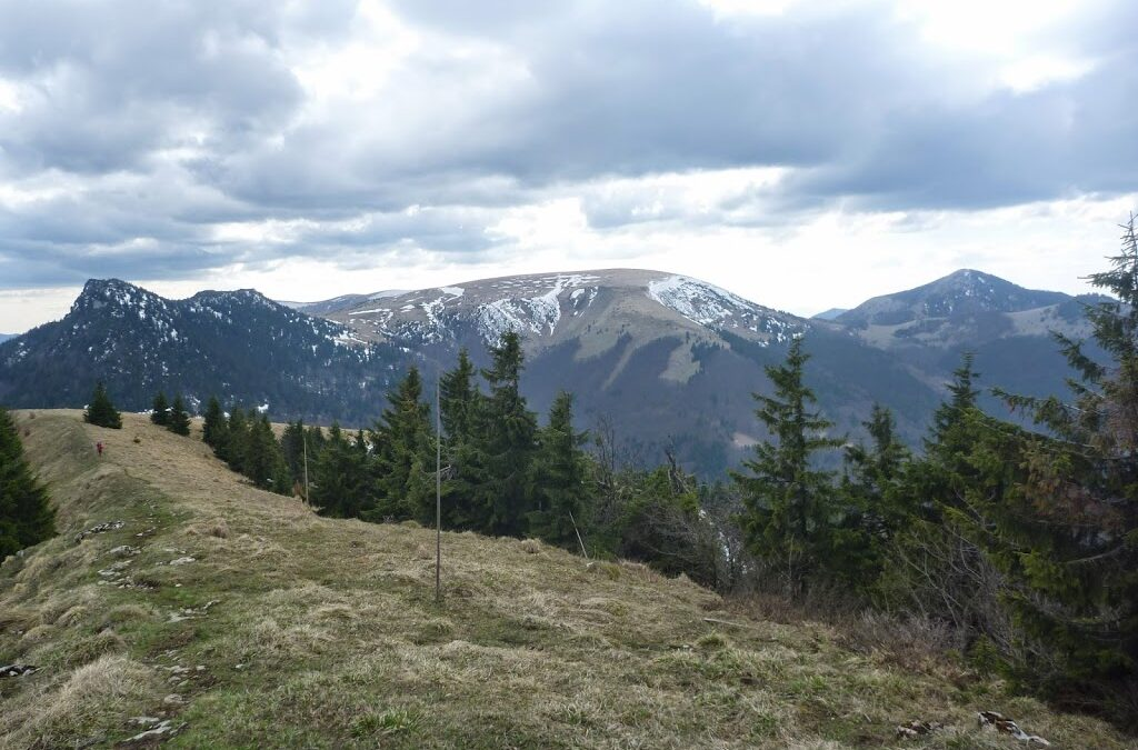 Sobotnajsi solo prebeh hrebenom Velkej Fatry (12.4.2014)